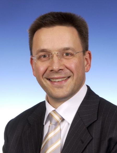 Ing.<b>Sven Patuschka</b>) 硕士工程师 大众汽车(中国)投资有限公司执行副总裁,研发 ... - (133)